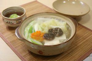 湯豆腐が際立つタレの人気レシピ!めんつゆや卵を使った簡単な作り方とは? | 気になる情報.com